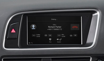 Audi Q5 - Built-in Bluetooth® Technology - X703D-Q5R